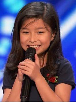 """""""Celine Dion nhí"""" nổi tiếng Youtube làm rung chuyển America's Got Talent 2017"""