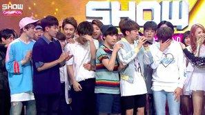 """Seventeen giành chiếc cúp đầu tiên kể từ khi debut với """"Pretty U"""""""