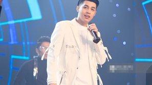 Noo Phước Thịnh đẹp trai ngời ngời trên sân khấu