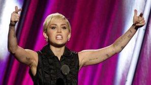 Dân tình phẫn nộ vì VMAs 2015 có quá nhiều hành động cổ súy ma túy