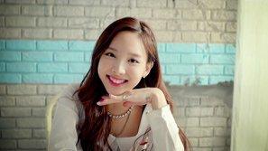 Nayeon (Twice) lo lắng vì bị cấm hẹn hò