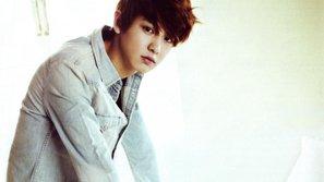 Chanyeol (EXO) bức xúc vì bị fan cuồng dùng xe hơi đeo bám