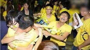 Những tình huống dở khóc dở cười của fan cuồng