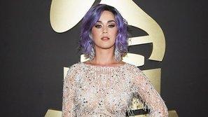 Các sao đọ dáng trên thảm đỏ Grammy 2015