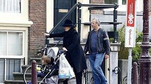 Adele xuất hiện bên con trai