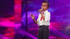 """VN Idol Kids 2016: """"Sứ giả cảm xúc"""" Hồ Văn Cường tiếp tục gây thổn thức khi hát về mẹ"""
