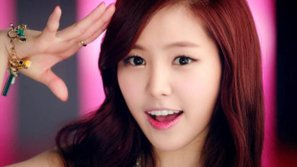 """Naeun chia sẻ về cảm giác làm """"center"""" của A Pink trong suốt 7 năm"""