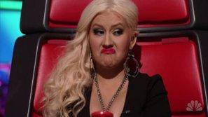 Cười bò với những màn nhái giọng kinh điển của Christina Aguilera