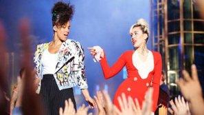 The Voice US - Mỹ 2016 (Mùa 11): Miley Cyrus hóa thân thành Rock Star