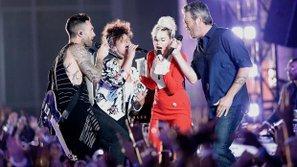 """The Voice US - Mỹ 2016 (Mùa 11): Bốn vị giám khảo hát """"Dream On"""" tưởng nhớ Christina Grimmie"""