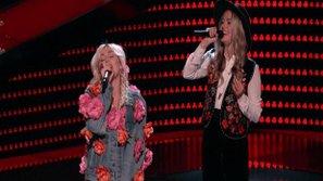"""The Voice US - Mỹ 2016 (Mùa 11): Miley Cyrus nhảy lên sân khấu """"quậy"""" cùng thí sinh"""