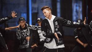 """S.T khoe vũ đạo điêu luyện trong MV """"Tình yêu tuyệt vời"""" phiên bản dance"""