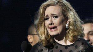 """Những ca sĩ nổi tiếng US-UK không dám """"nhìn mặt fan"""" vì...sợ sân khấu"""
