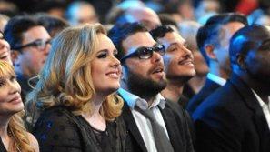 Adele chuẩn bị tổ chức đám cưới với bạn trai lâu năm?