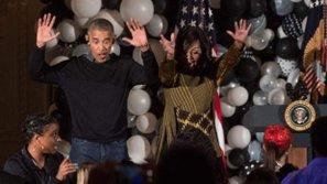 Tổng thống Barack Obama ăn mừng lễ Halloween trên nền nhạc ca khúc