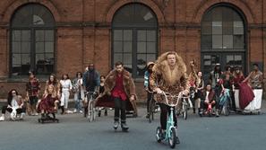 """Chuyển động 24h US-UK: MV """"Thrift Shop"""" của Macklemore & Ryan Lewis cán mốc 1 tỷ lượt xem trên Youtube"""