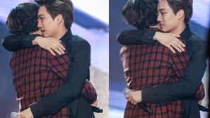 Ấm lòng với cảnh Taemin (SHINee) ôm chầm lấy bạn thân khi nhận giải trong MAMA 2016
