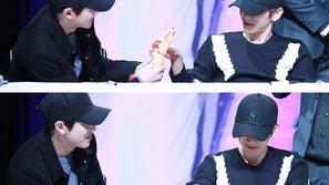 Fan phát sốt trước khoảnh khắc cực yêu của cặp đôi ChanBaek nhà EXO
