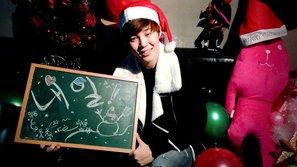 Muôn kiểu đón mùa Giáng sinh hạnh phúc và ấm áp của dàn idol Kpop