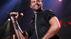 Ricky Martin cảm ơn fan đã động viên sau biến cố gia đình