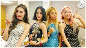 """Không còn hy vọng gì với Wonder Girls, JYP gỡ banner """"tiễn"""" nhóm ra khỏi công ty?"""