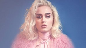 Vừa tái xuất, Katy Perry lại