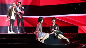 The Voice 2017: Thu Minh đã sai lầm khi ngồi ghế nóng cùng đàn em?