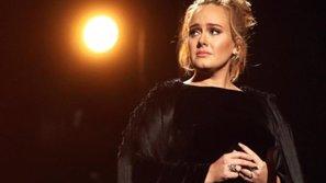 Adele vẫn được tung hô sau khi ngừng diễn, chửi thề trên sân khấu Grammy