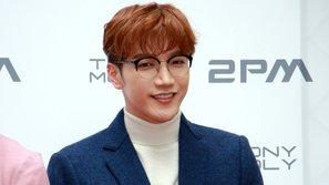 JYP Entertainment thông báo chi tiết về tình trạng chấn thương của Jun.K (2PM)