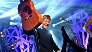 Hạ đo ván The Weeknd, Ed Sheeran trở thành nghệ sĩ được nghe nhiều nhất Spotify