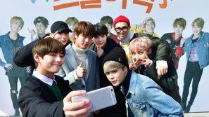 Tour diễn thế giới cận kề, BTS bất ngờ xuất hiện tại một trường trung học