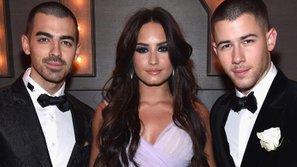 Jonas Brothers tái hợp Demi Lovato trong phiên bản trưởng thành