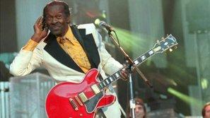 Huyền thoại rock'n'roll Chuck Berry qua đời ở tuổi 90