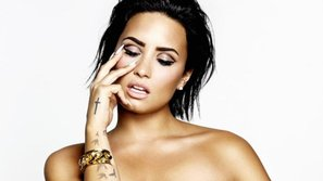 """Demi Lovato lên tiếng vụ lộ ảnh """"nóng"""": Nó chỉ là áo nâng ngực!"""