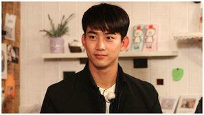 Taecyeon (2PM) chia sẻ lợi ích bất ngờ của việc quen TWICE trong thời gian nhập ngũ