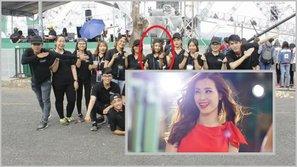 Đi tìm nguồn thuê fan thực sự cổ vũ cho Đông Nhi ghi hình tại The Voice