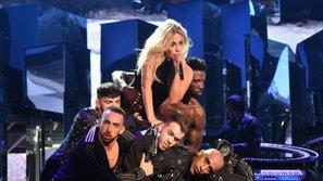 Mượn sân khấu Coachella 2017, Lady Gaga chính thức giới thiệu hit single của năm