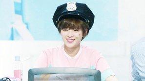 Fan Jungyeon (TWICE) tặng album ủng hộ chiến dịch từ thiện