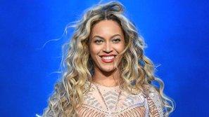 """Ăn mừng """"Lemonade"""" tròn 1 tuổi, Beyonce ra mắt học bổng cho sinh viên nữ"""