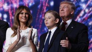 Cha con Tổng thống Donald Trump ghiền nghe nhạc của Taylor Swift