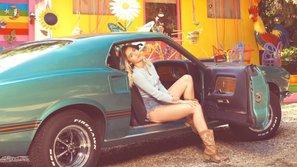 Miley Cyrus rớt nước mắt cảm ơn fan sau khi tung single mới