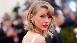 Taylor Swift lần đầu xuất hiện sau nhiều tháng trời biệt tăm biệt tích