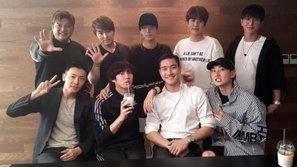 Thành viên Super Junior đồng loạt đăng ảnh cuộc gặp gỡ nhóm khiến fan bấn loạn