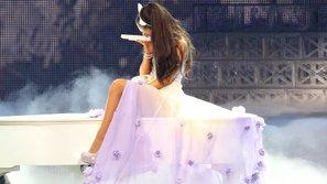 Suy sụp trước thảm kịch đẫm máu, Ariana Grande muốn kết thúc ngay sự nghiệp của mình?