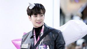Jackson (GOT7) vô tình đá bóng trúng fan, và hành động sau đó của anh chàng khiến ai nấy đều phải
