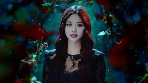 Rùng rợn những MV Kpop sử dụng concept ma cà rồng