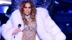 Vừa phát hành single mới, Jennifer Lopez đã đem ngay ca khúc này lên sân khấu kỷ niệm Quốc Khánh Hòa Kỳ