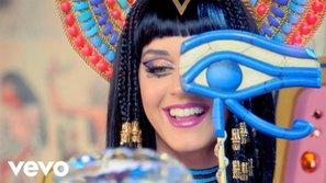 Katy Perry có MV đầu tiên trong sự nghiệp cán mốc 2 tỷ view trên VEVO