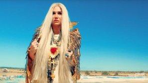 Siêu hot! MV mới chất lừ của Kesha đã ra lò!