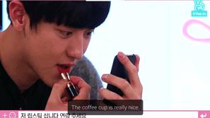 10 idol nam Kpop tham gia vào thử thách trở thành chuyên viên makeup